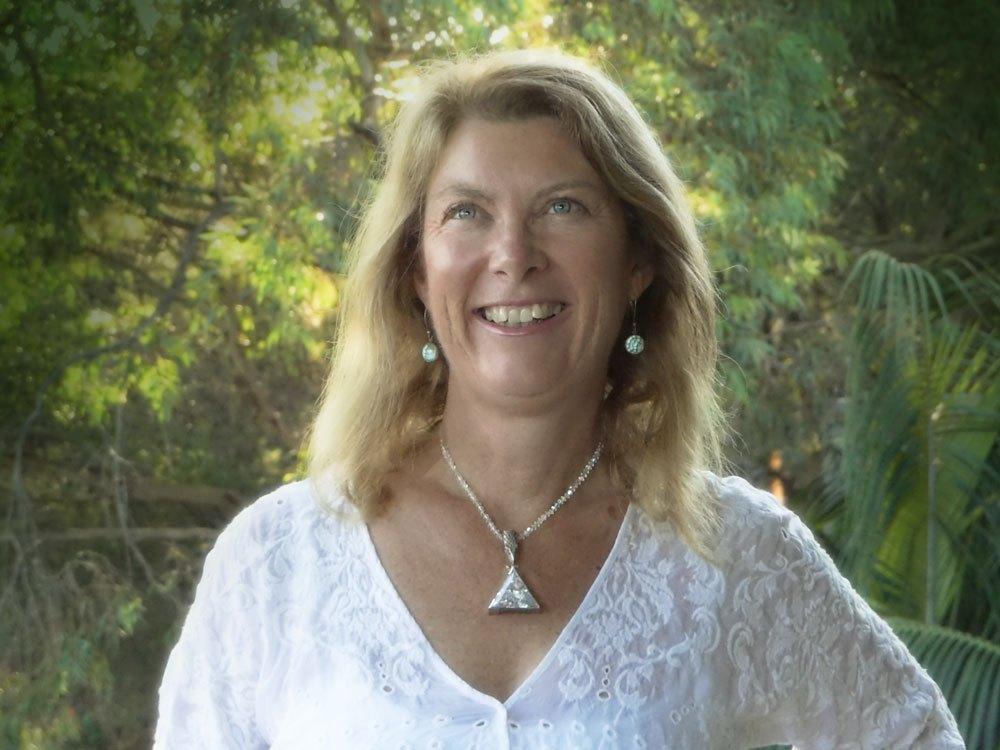 julia-smith-profile